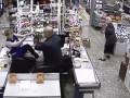 В Перми грабитель три часа избивал девушку-кассира на глазах покупателей