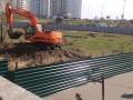 На Осокорках снова появился строительный забор