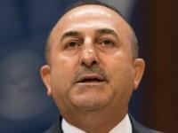 Турция требует выдачи беглых военных из Греции