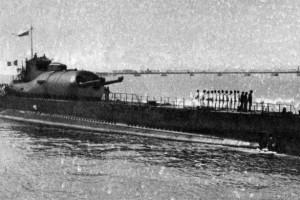 Подводная лодка могла вести артиллерийский огонь в полупогруженном положении