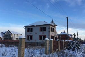 Не достроенный дом, в котором были размещены сотрудники полицейской разведки