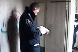 Тело женщины нашли на общем балконе этажа