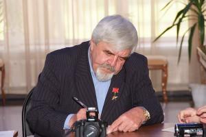 Александр Бондарь, Ветеран БАМа, Герой социалистического труда