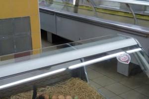 Пустые полки в донецком супермаркете