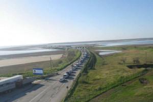 На въезде в Крым очередь из 200 авто