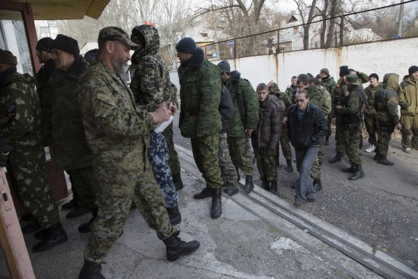 Вербовщики в России идут на разные уловки, чтобы их не привлекли за наемничество