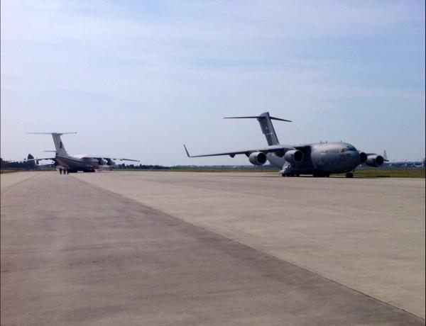 Аэропорты Украины закрывают под прием военных самолетов США