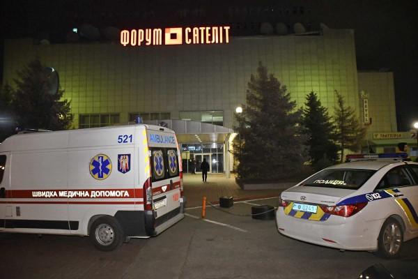 На место прибыли патрульная полиция и скорая помощь