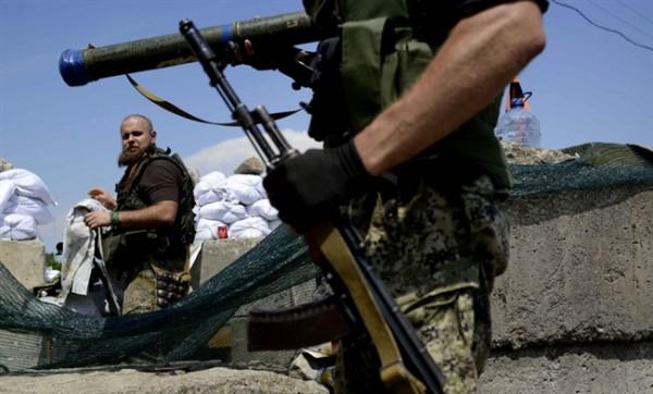 Боевики обстреляли Троицкое