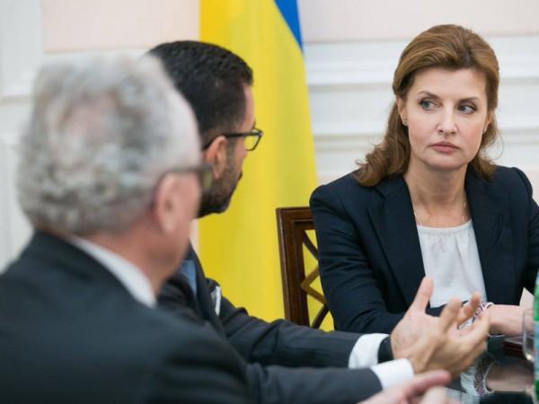 Жена президента сопровождает Порошенко в заграничных поездках