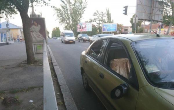 Автомобиль, который сбил женщину