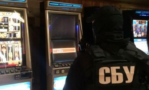 Оперативники ликвидировали три подпольных казино в
