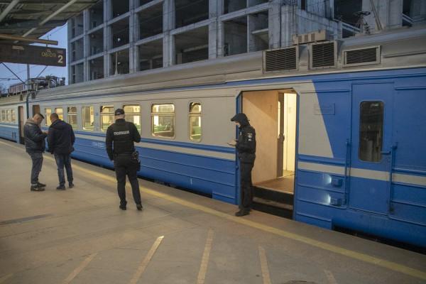 Электричка ехала по маршруту Киев-Яготин