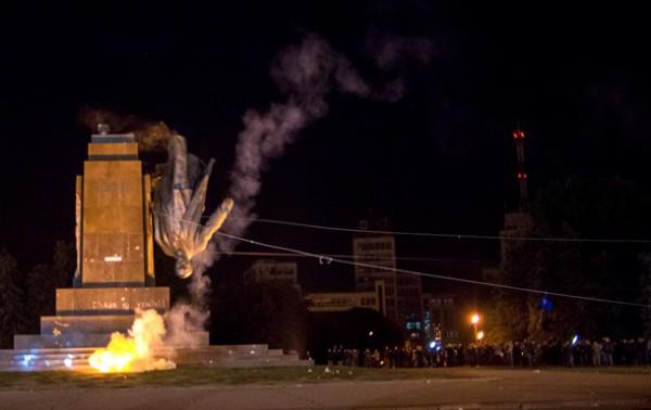 Пенсионер требовал восстановить памятник Ленину в Харькове
