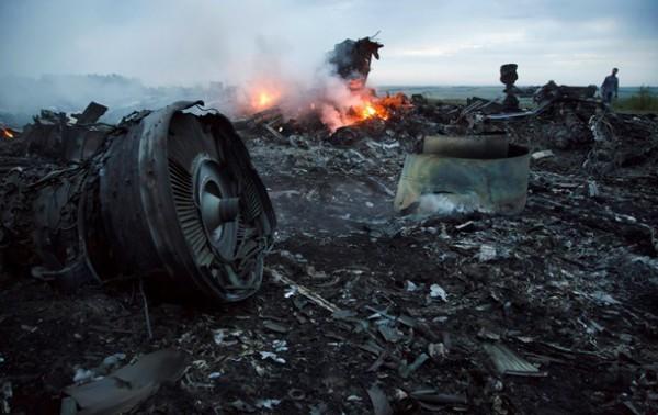 Место крушения Боинга-777 на Донбассе
