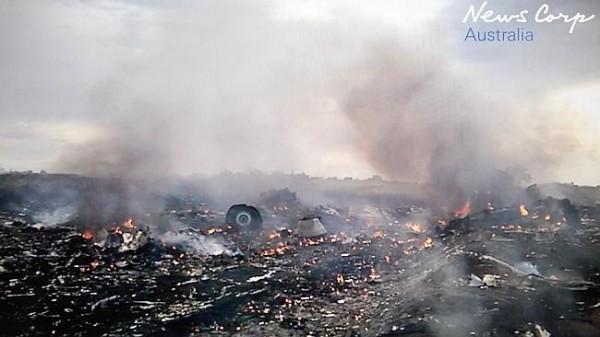 Террористы осмотрели место падения самолета