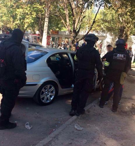 Злоумышленники отрицают, что напали на бойца с ножом