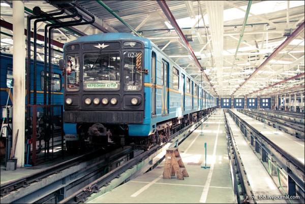 Как все устроено: депо поездов