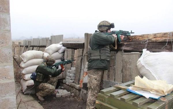 В зоне АТО неспокойно - обстрелы на нескольких направлениях
