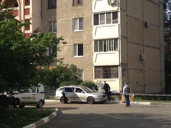 Труп был обнаружен возле жилого дома в Украинке