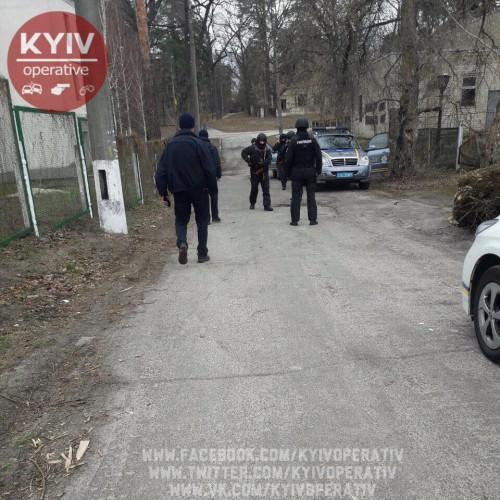 Всанатории украинской столицы , где проживают переселенцы, неприятный инцидент завершился  стрельбой