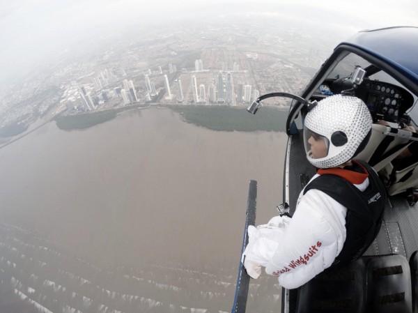 Роберта Манчино прыгнула с вертолета