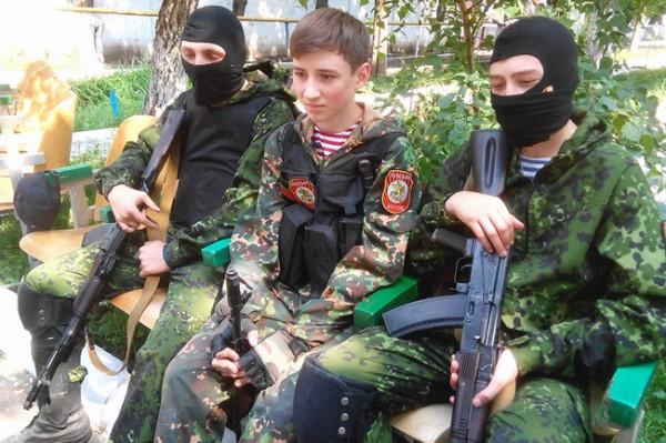 Боевики используют детей в качестве прикрытия
