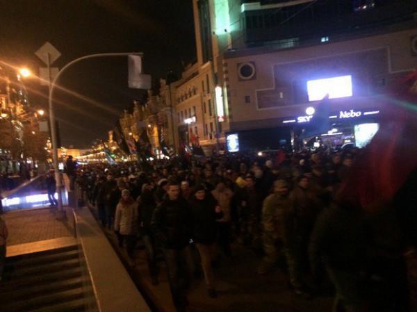 Колонна митингующих двинулась обратно на Майдан