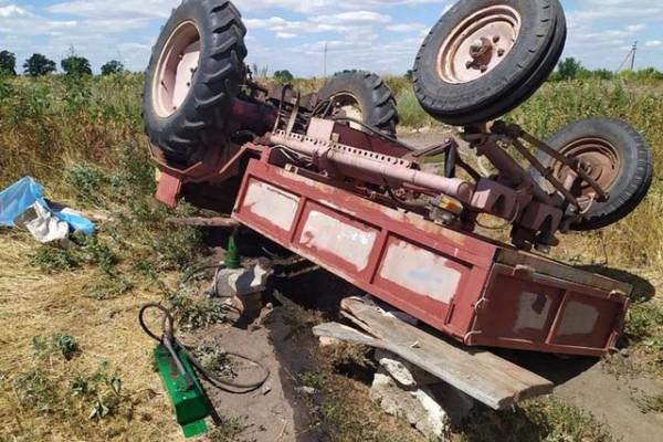 Трактор перевернулся во время движения