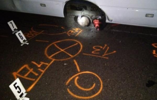 Грузовик украинцев стоял на полосе аварийной остановки на скоростном шоссе