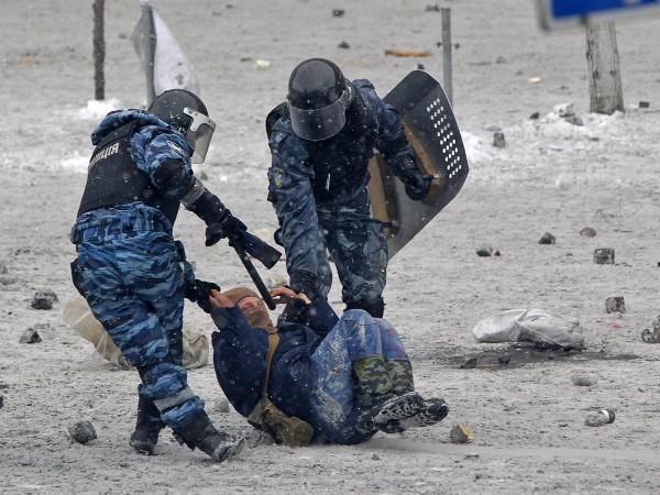 Патрульных полицейских, участвовавших в погоне со стрельбой в Киеве, отстранили от службы на время расследования - Цензор.НЕТ 7797