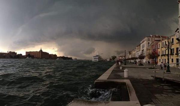Смерч в Венеции
