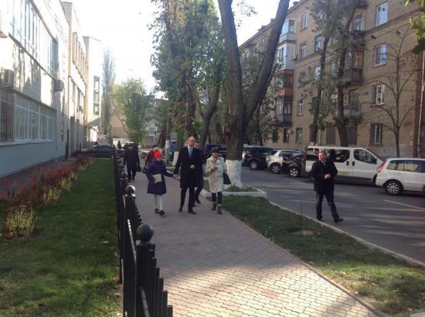 Выборы 2014: Арсений Яценюк с семьей