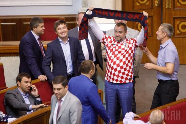 Футболистам аплодировали почти все депутаты