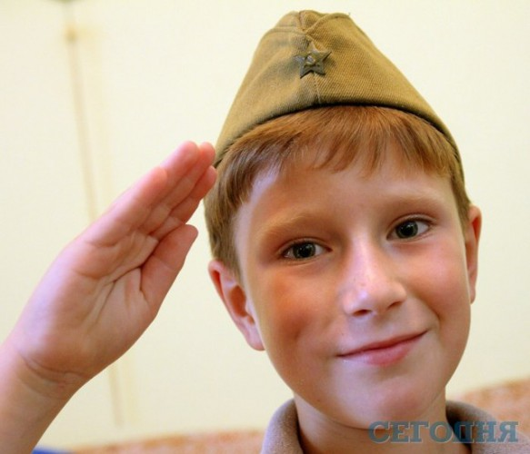 В киеве в армию призвали 8 летнего