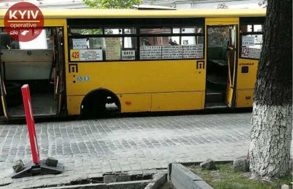 В момент инцидента в маршрутке пассажиров не было