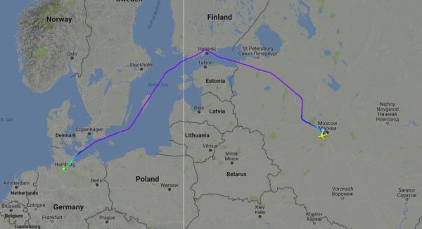 Самолет Путина отклонился от прямого маршрута