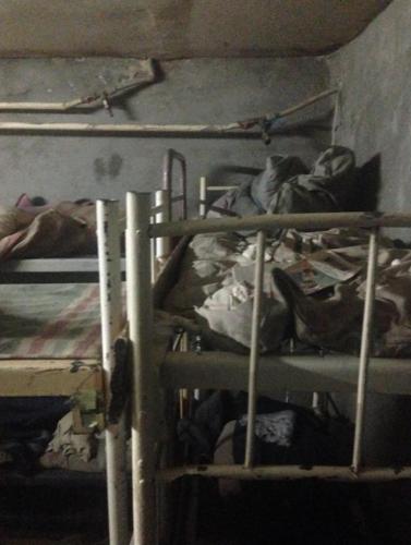 Как выглядят луганские подвалы для военнопленных