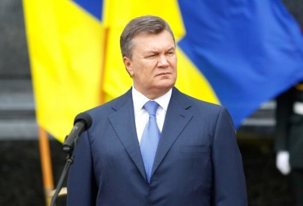 В местах пребывания Януковича запрещено иметь при себе мобильные