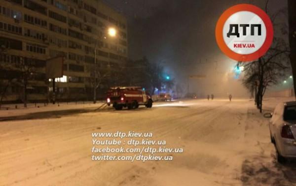 Из-за пожара Лобановский проспект был перекрыт на два часа
