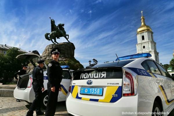 Патрульная полиция должна проверять документы у человека, вызывающего подозрения