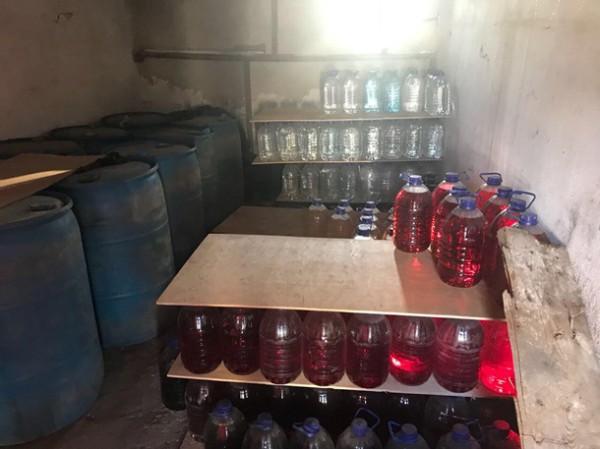 Было изъято более 7 тысяч литров спирта