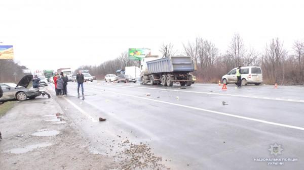 Авто протаранил грузовик MAN
