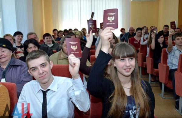 Русские перевозчики принимают «паспорта» самопровозглашенных ДНР иЛНР