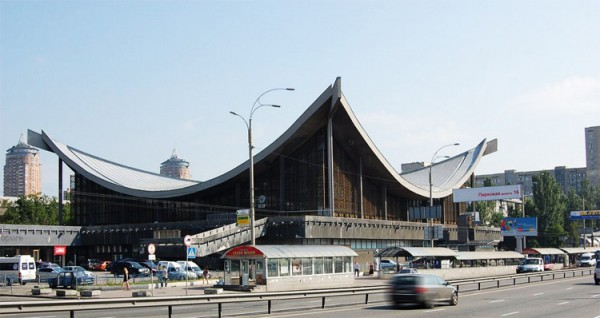 Дом мебели прославился у киевлян своей легендарной крышей