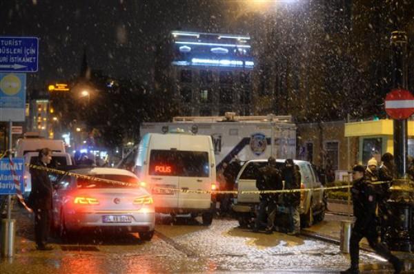 Фото с места происшествия, где погиб полицейский