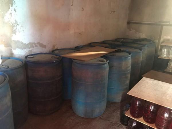 По факту незаконного изготовления алкогольных напитков открыто уголовное производство.