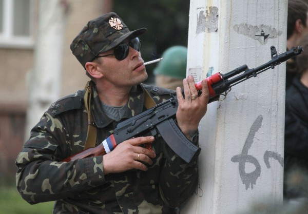Сепаратист захватывает здание луганского управления МВД,