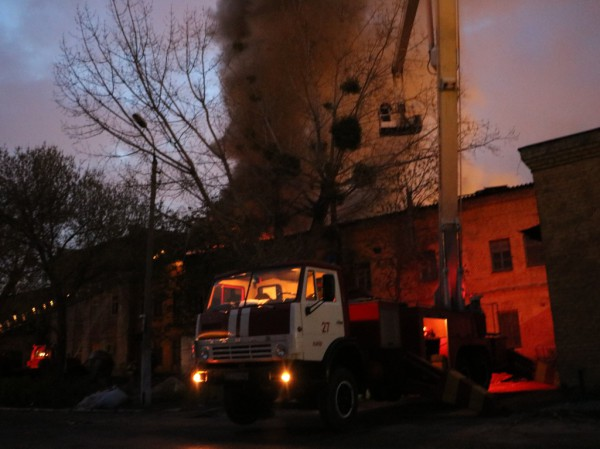 ВКиеве горело складское помещение натерритории завода