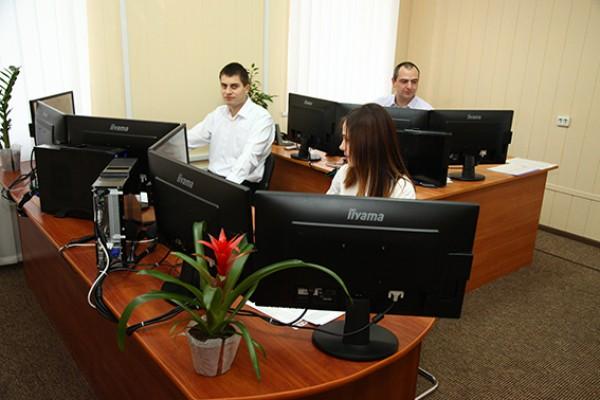На смене в call-центре будут работать 6 операторов и 4 диспетчера